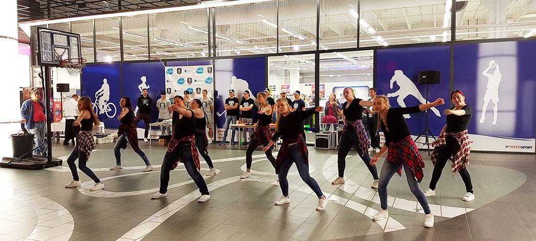tanssitytot-kuva